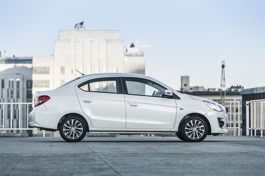 Mâm hợp kim 15″ thiết kế mới với 2 tông màu, giúp xe thêm phong cách và ấn tượng hơn