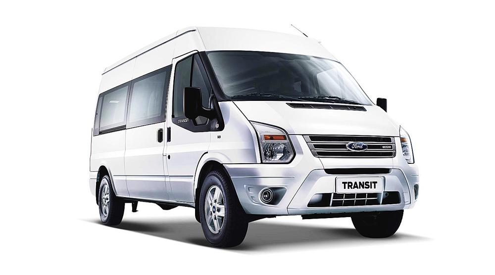 Ford Transit màu trắng